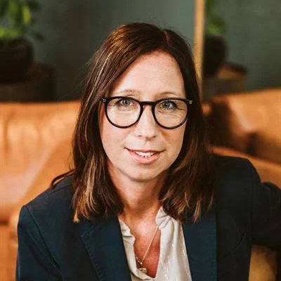Ulrika Sörensen, mäklare
